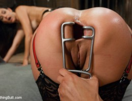 Sexy women submit to anal domination from hot mistress!