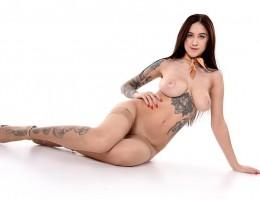 Hot tattooed babe Tanya Bahtina naked in heels