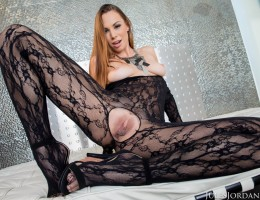 Aidra Fox Sexy Babe Sexy Lingerie Opens Her Pussy for BBC Dredd