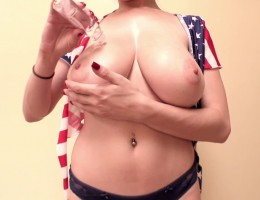 Tessa Fowler - 4th Of July 1 - Trailer