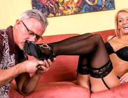 Christoper Clark Is Crazy Over Valentina\'s Elegant Feet