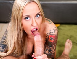 Sexy blonde Alexa suck a thick hard cock for a messy facial.