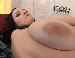 Dark-haired, fair-skinned big-busted Joanna toying for you