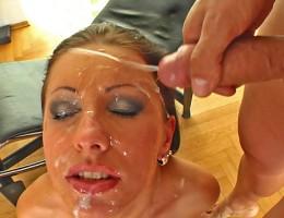 Pornslut Nikki Ryder sucks off 5 guys and takes their facials