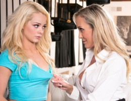Stunning Elsa Jean gets seduced by her hot stepmom, Brandi !