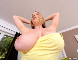 12 pics and 1 movie of Magie3 from Big Naturals