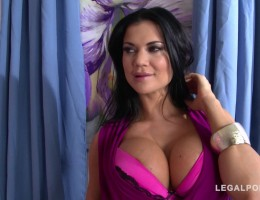 Jasmine Jae\'s pierced pussy stretched by thick dick during XXX Milf fuck GP716