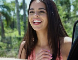 Model In ChainsBeautiful aspiring teen model Vienna Black has gotten herself stranded out in the middle of nowhere after her last photo shoot went awry. She\'s suffering in the dogged heat until Brick pulls up out of nowhere in his van and agrees to give