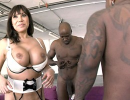 Ava Devine tells and shows you how she prolapses her asshole