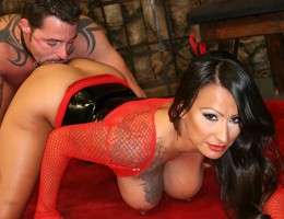 Super hot mistress wants her man to worship her awesome ass!
