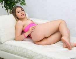 19 year old Selvaggia is still learning all the things her young body likes, and she wants you to enjoy the show as she figures out all of her buttons. Today she\'s exploring how she feels about dildos, and after she pushes one deep into her tight bald tw