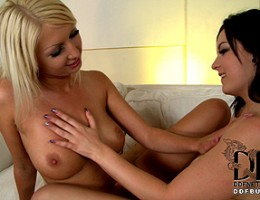 Euro cuties suckin on delicious coconut boobies and puss pie