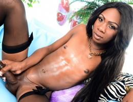 Kourtney Dash stroking her huge ebony meat tool in solo clip