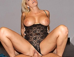 12 pics and 1 movie of Kathleen from Milf Hunter