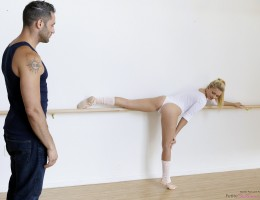 Cock craving coed Riley Star is just getting into her barre workout when she realizes how horny she is. Her coach Damon Dice walks in as her hand sneaks to her twat, which she rubs beneath her leotard. When she realizes that Damon\'s eyes are on her, Rile