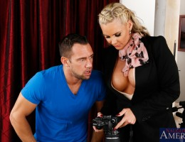 Johnny is a brand new photographer doing a photo shoot for Phoenix\'s new job as a realtor. Johnny is having a few problems with the shots being blown out, luckily Phoenix was a photography before she got into real estate and has no problem showing Jo