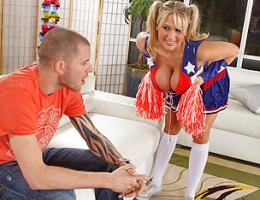 Alanah has to practice her cheer for her cheer leading match. Scott shows up to her house for no apparent reason, but Alanah invites him into her house to watch despite him being a total stranger. Now the plot thickens because they actually have sex