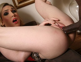 A horny blonde girl lets her black boyfriend excavate her asshole