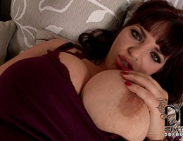 Joanna Bliss\' 36H Boobs Looking Bigger and Better Than Ever