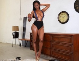 12 pics and 1 movie of Myalushes from Big Naturals