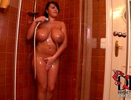 Shower with closeup with very chesty beauty Leanne Crow