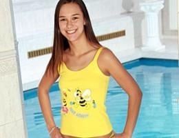 Petite teenie cutie gets real dirty near a private pool
