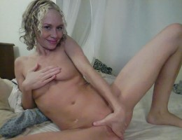 Super hot barilla babe gets naked on her first private webcam show in this vid