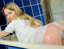 Angel is getting really horny all clothed in the bathtub!